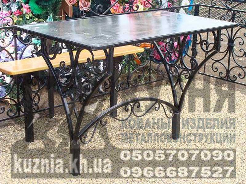 столик на кладбище фото