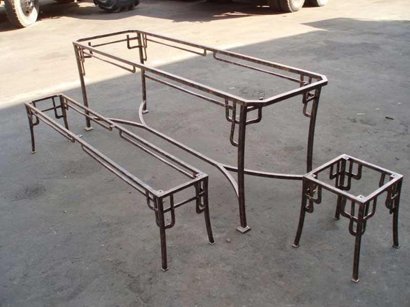 Столик из металлического профиля своими руками6